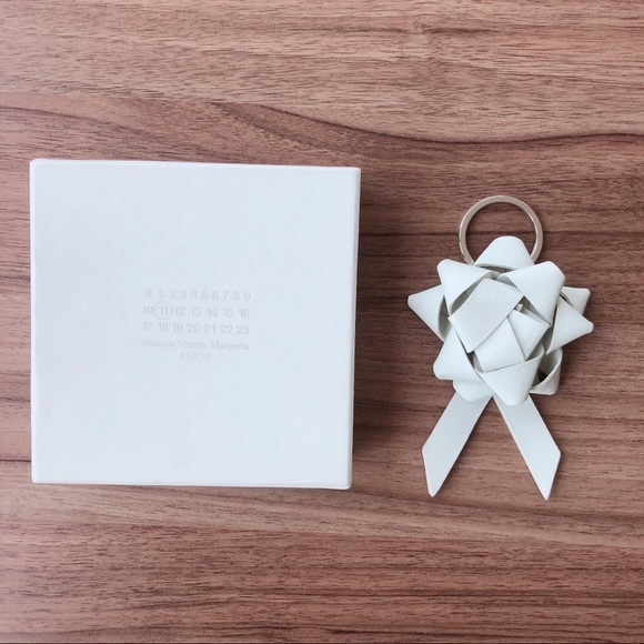Maison Margiela Leather Gift Bow Keyring/Keychain
